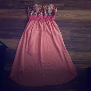 I am selling a strapless dress